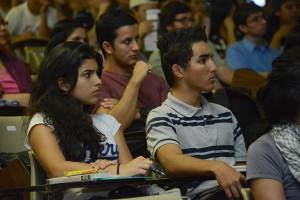 UCR orienta a estudiantes de primer ingreso