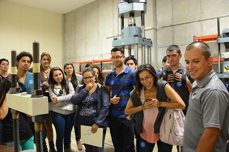 Colores, curiosidad y conocimiento se conjugan en la Expo UCR9