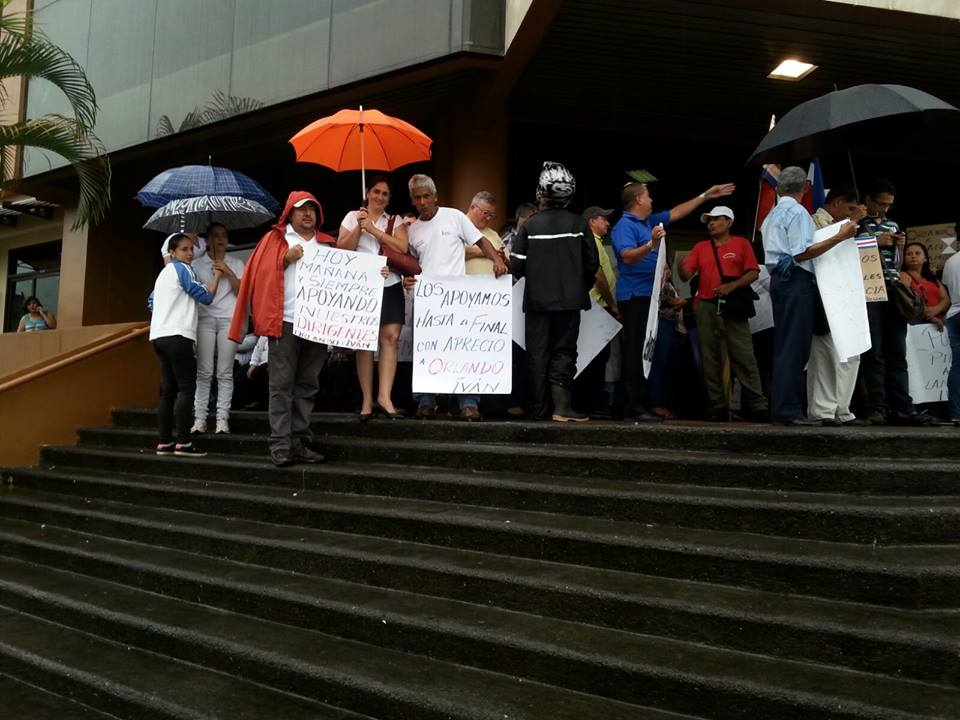 Realizan actividades solicitando la libertad para Orlando Barrantes8
