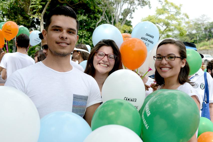 UCR celebra la caminata Un Abrazo Mundial11