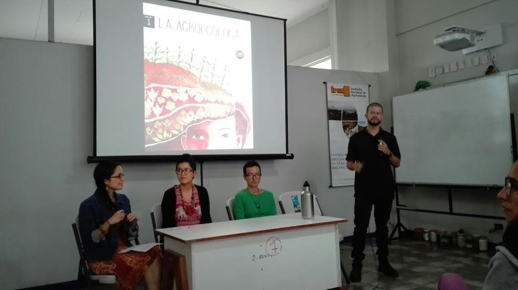Presentaran revista campesinaLa Agroecologa3