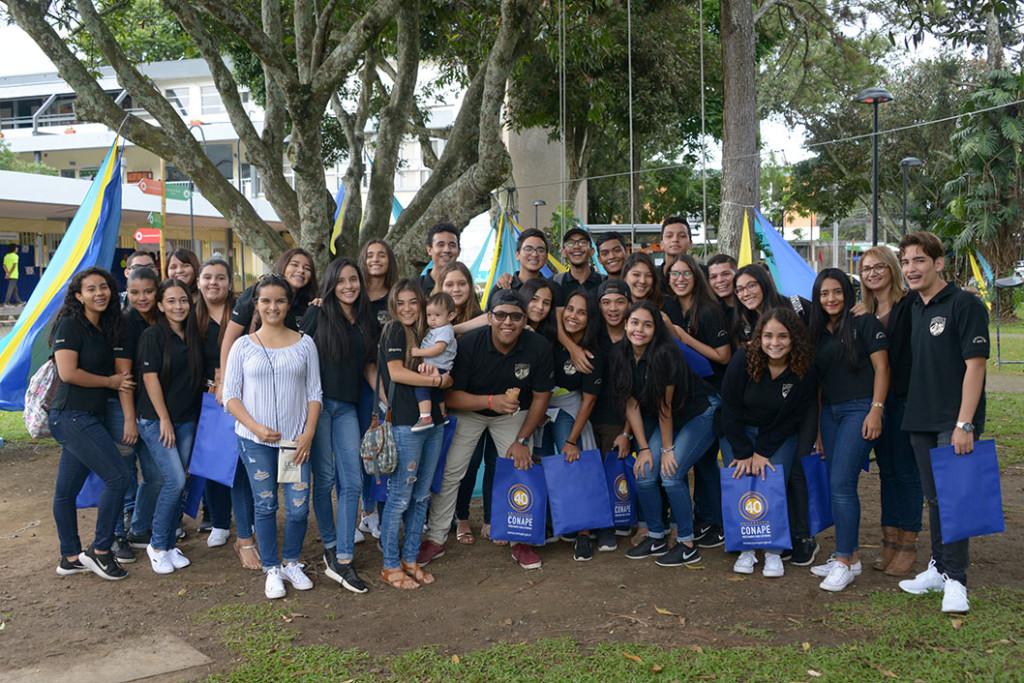 Estudiantes de mas de 200 colegios asisten a la Feria Vocacional de la UCR2