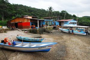 UCR comunidades del Pacifico Central aportan conocimientos a proyectos universitarios