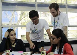 Colegiales aprenden a tomar decisiones para mejorar el canton donde viven