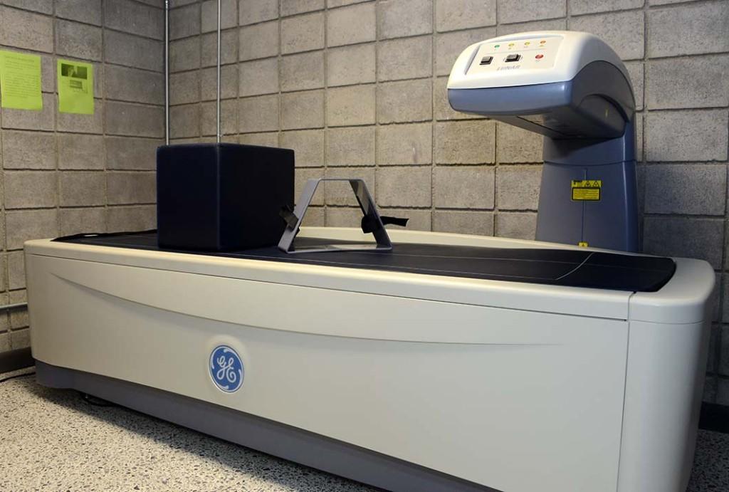 UCR inauguro modernas instalaciones para la investigacion del movimiento humano5