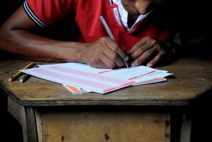 Aplicación del exámen de admisión a indígenas de Alto Conte