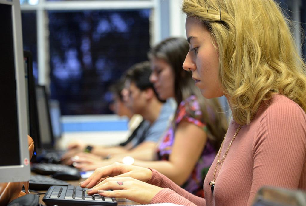 28/09/2017, Laboratorio de ingeniería en biosistemas, laboratorio de computo, computación, matlab, estudiantes,