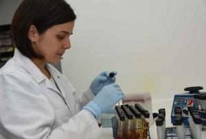 Investigadores UCR usaran la biologia molecular para evaluar la calidad del agua de consumo