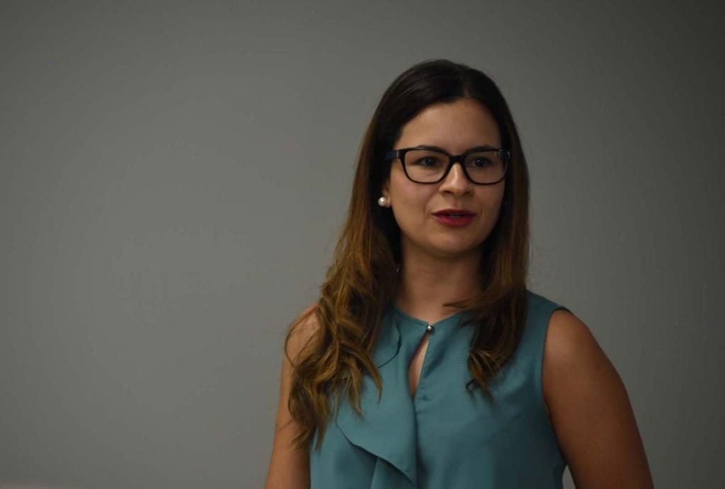 La directora de la Flacso, Dra. Ilka Treminio Sánchez, afirmó que las discusiones generadas en redes sociales promovieron la innovación por parte de los medios de comunicación y la creación de nuevos espacios informativos. - foto Karla Richmond, UCR.