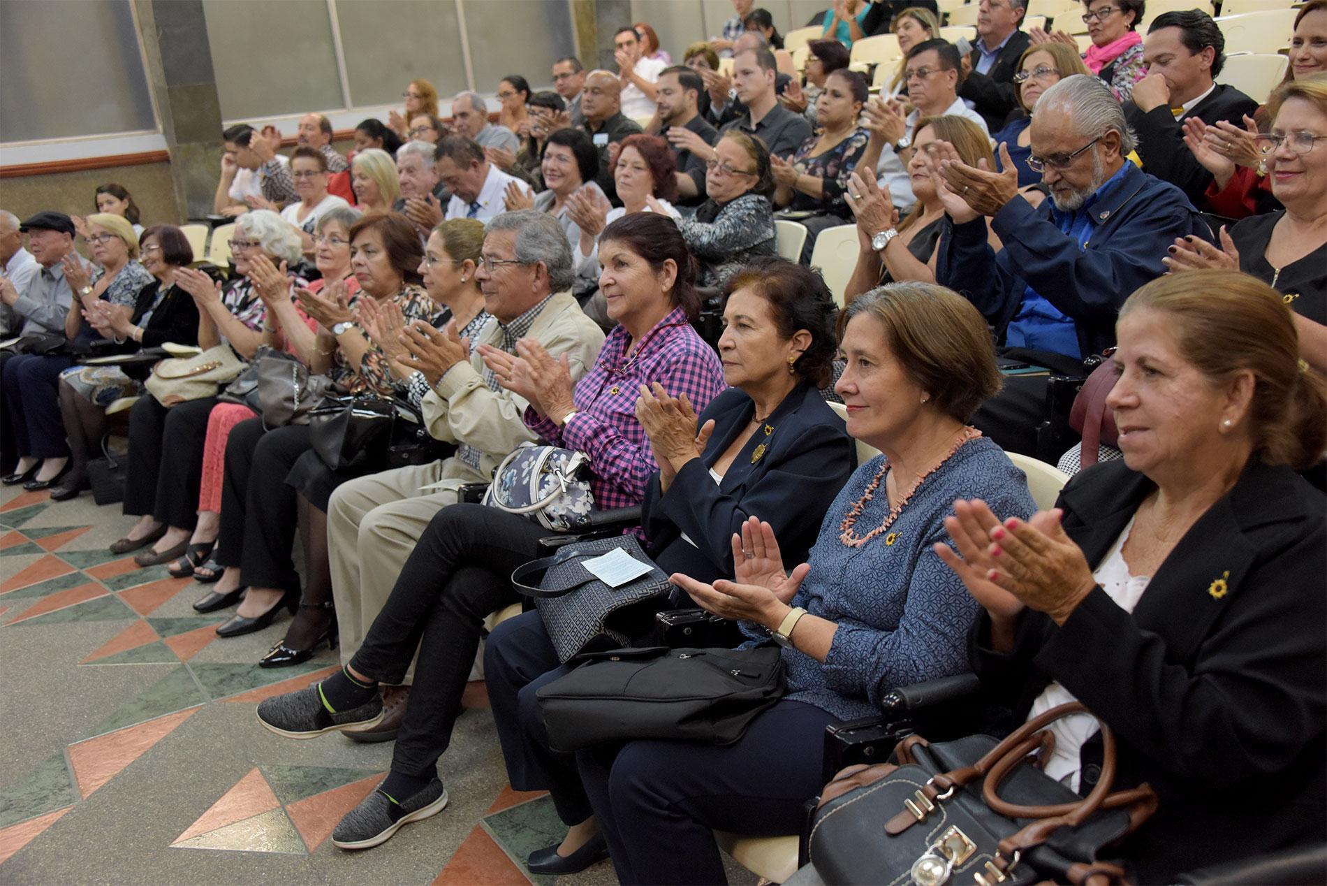 UCR Adultos mayores de hasta 90 anos inician curso para convertirse en Emprendedores de Oro5