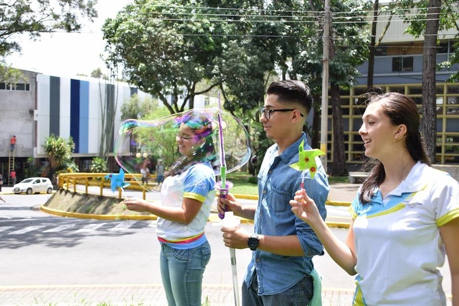 Intervención de espacios celebrando el Día sin humo de tabaco. (Foto: Pablo Molina).
