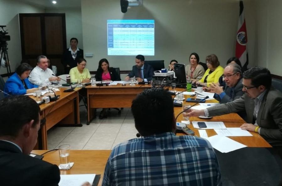 La Universidad de Costa Rica respondio a las consultas de los diputados sobre los plaguicidas3