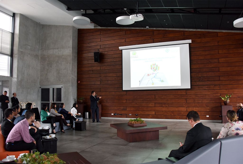 Diputados constatan el impacto de la investigacion de la UCR en Costa Rica4