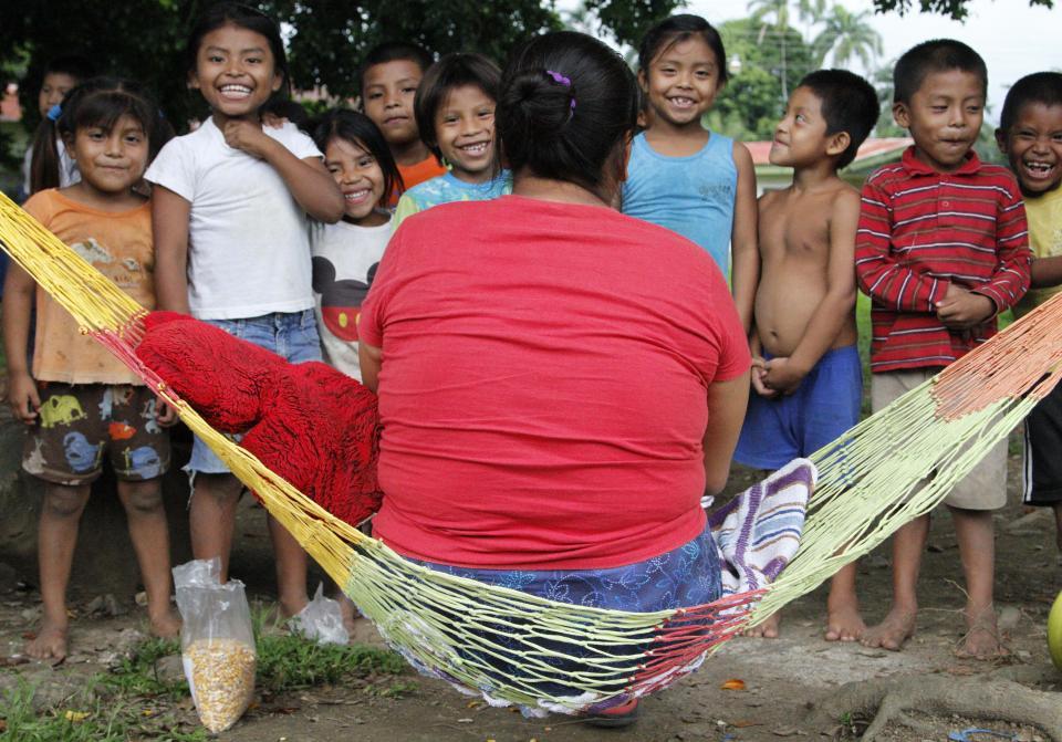 UCR Comunidad Ngabe Bugle de Sixaola lucha por el acceso a derechos basicos2