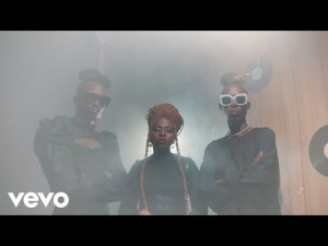 MFR Souls - Bathandwa (Official Music Video) ft. Bassie