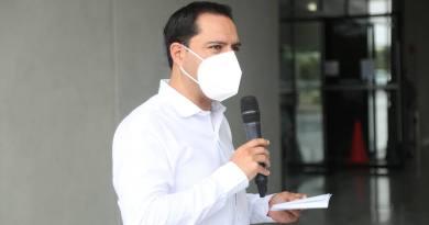 El Gobernador Mauricio Vila Dosal reitera llamado a los yucatecos a no relajarse ante el inicio de la aplicación de vacunas contra el Coronavirus al personal médico yucateco de áreas Covid
