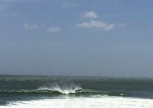 Surf trip à Popoyo - vague qui casse A frame