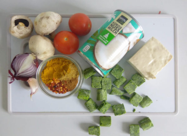 vegan Tofu Spinat Curry Low Carb