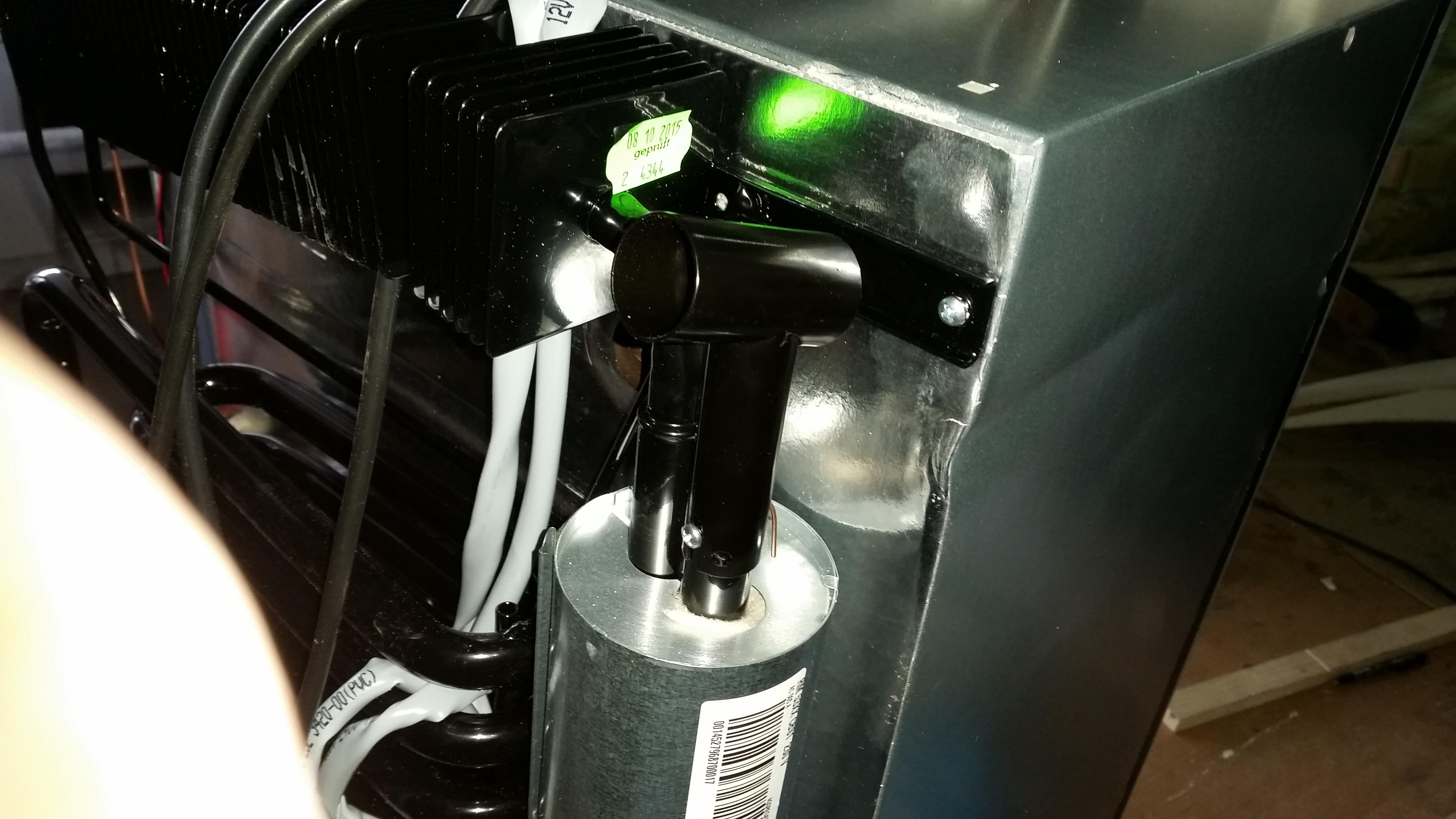 Aufbau Kühlschrank Physik : Abgaskamin für den kühlschrank montieren surfandfriends