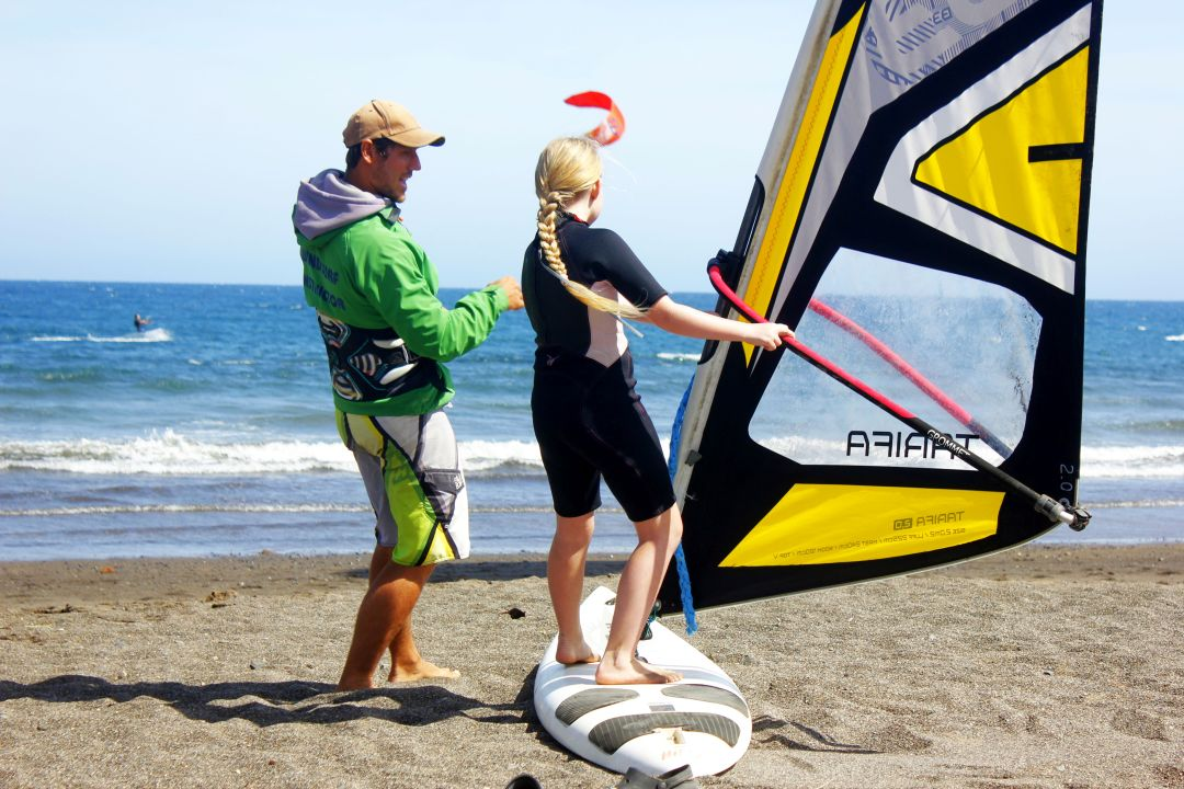 Windsurfing lessons El Medano