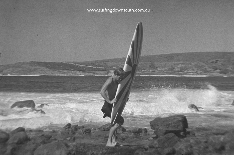 1965 South Point Muzz collecting Zac's board - Jim Breadsell pic2