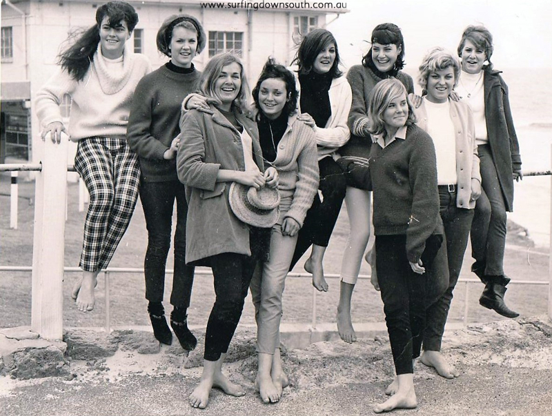 1960s-cottesloe-car-park-cottesloe-girl-surfers-jeanne-tina-with-city-beach-girls-bert-moriarky-pic