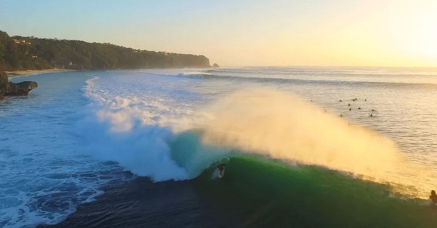 バリのビッグバレル「パダンパダン」でサーフィン!驚きの波と行き方