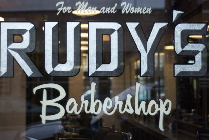 rudys-barbershop-window
