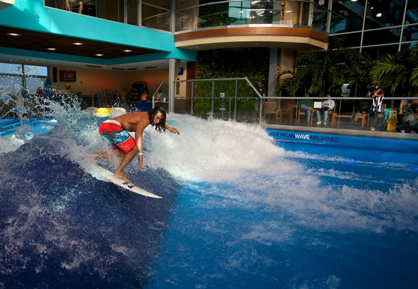 Pro Surfer Rob Kelly on SurfStream by American Wave Machines at Surfs Up NH | Surf Park Central