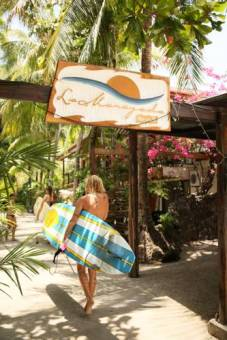 la marejada sign surfer