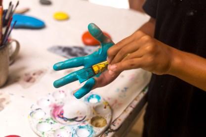 family retreat art class hand paint