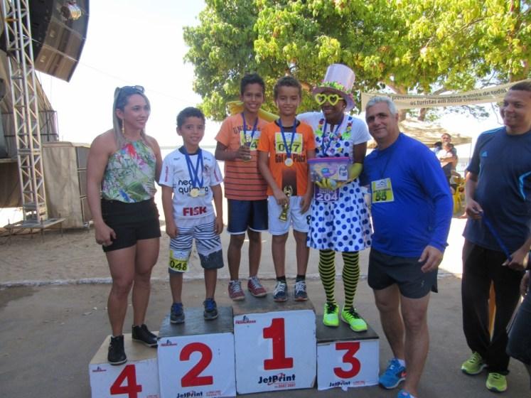 7 A meninada recebeu medalhas pela permormance na prova - Foto Zacarias Martins