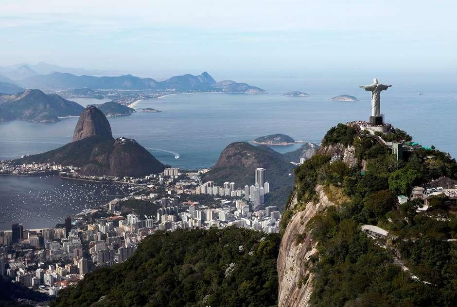 BRT e barcas param totalmente no Rio por falta de combustível