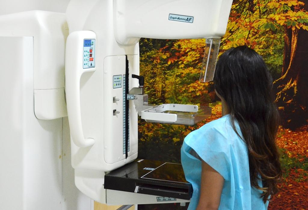 Mamografias periódicas evitam mortes por câncer de mama, diz estudo