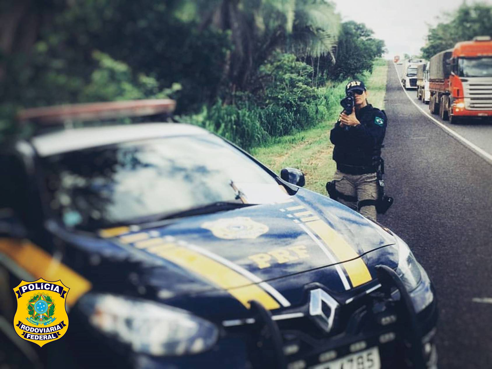 PRF flagra motorista abusando da velocidade na BR-153