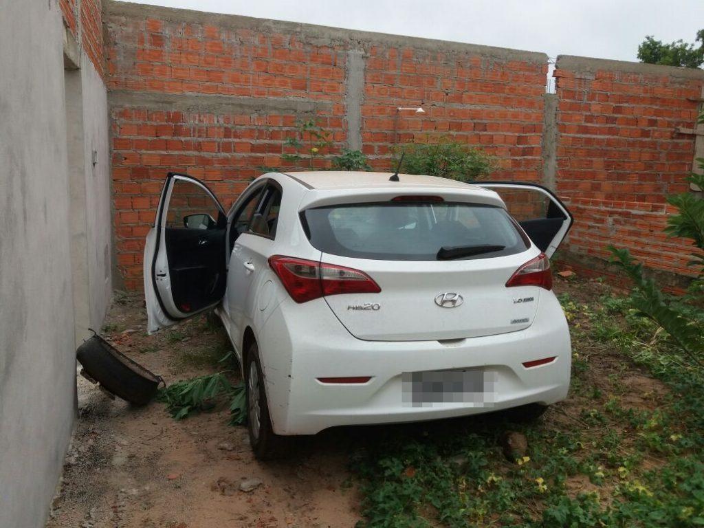 Durante o fim de semana PM recupera em Araguaína e região, duas motos e um carro roubados e apreende um menor infrator por receptação