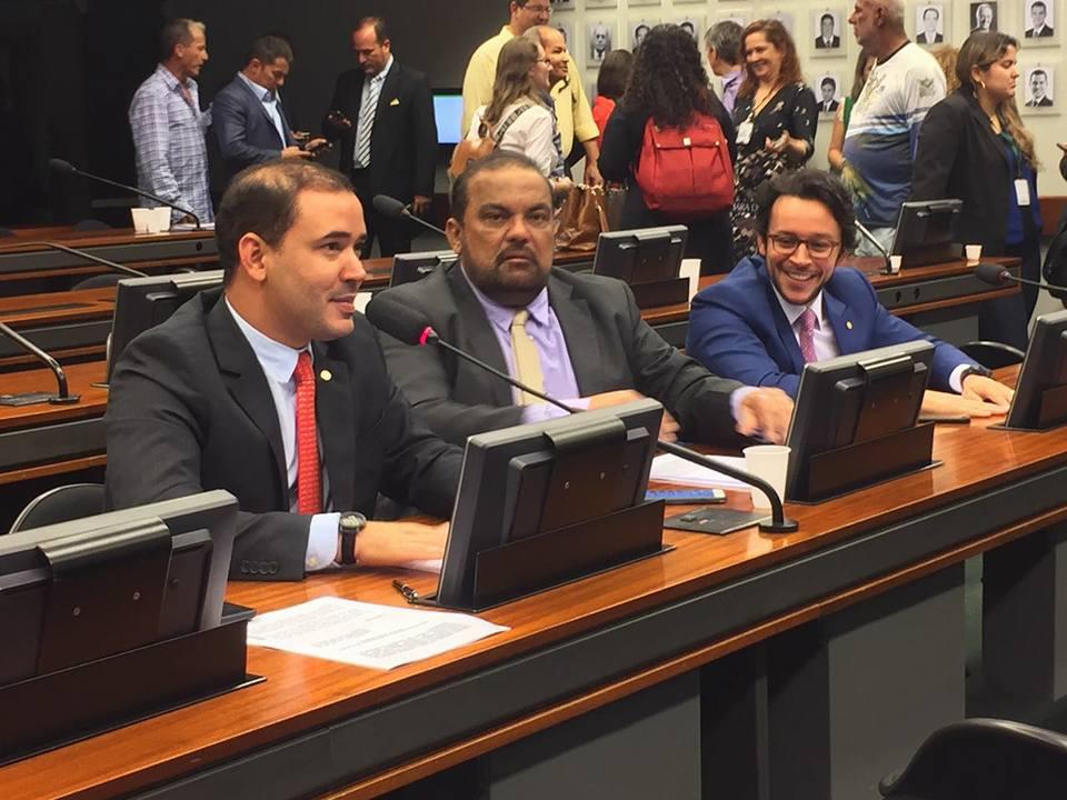 Vicentinho Júnior comemora a aprovação de proposta que garante a constitucionalidade das vaquejadas