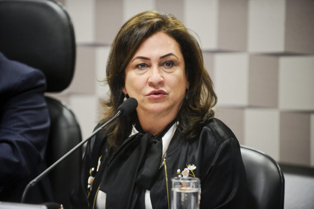 Senadora Kátia Abreu e secretários municipais de Saúde vão à Santa Casa de Misericórdia de Porto Alegre nessa quarta