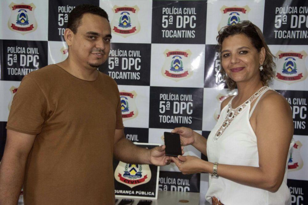 5ª Delegacia de Polícia Civil restitui aparelhos celulares aos legítimos donos