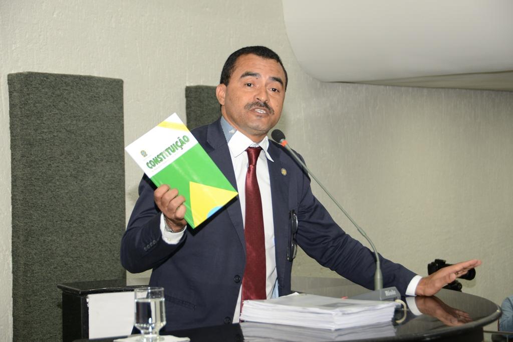 Wanderlei Barbosa cobra repasse do duodécimo e comemora aprovação de PL 03 que beneficia policiais civis