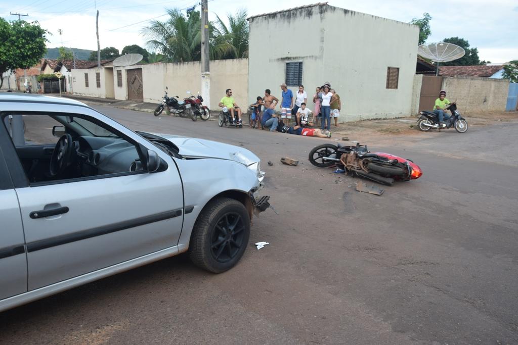 Colisão em cruzamento de ruas em setor de Paraíso do Tocantins