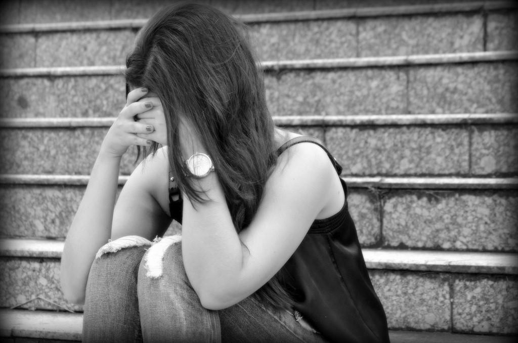 Famosos assumem sofrer depressão. Qualquer pessoa é vulnerável à doença?
