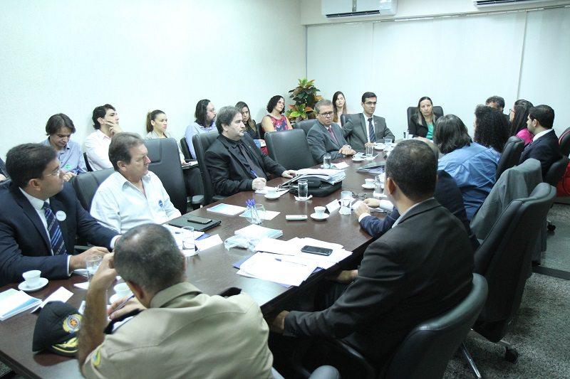 Datas para licitações de presídios são apresentadas durante reunião de grupo sobre sistema carcerário