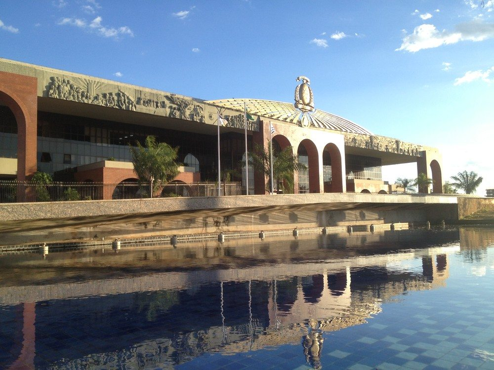 Jornada de trabalho de seis horas para os servidores públicos é prorrogada no Tocantins