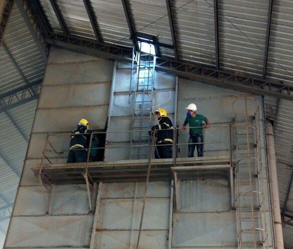 Incêndio em armazém atinge soja e danifica equipamentos