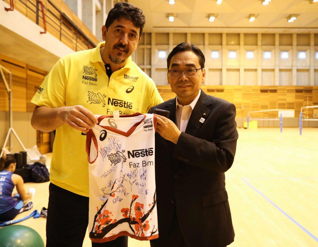 e29949be328a8 Vôlei Nestlé estreia no Mundial com uniforme em homenagem ao Japão ...