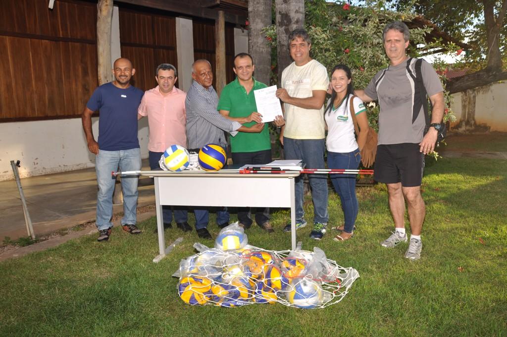 Prefeitura de Porto Nacional e Federação Tocantinense de Voleibol firmam convênio