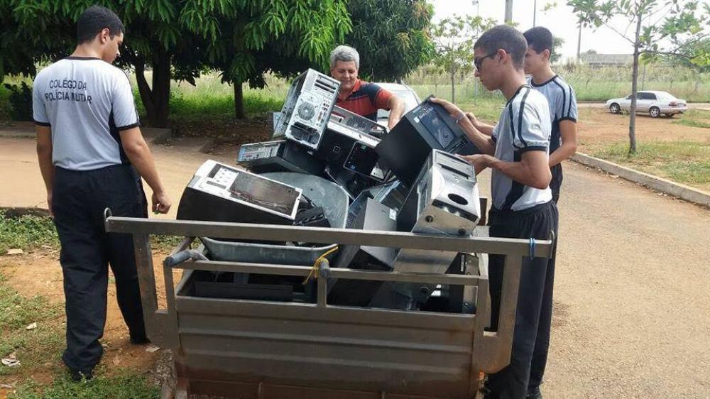 Colégio da PM arrecada recursos através de reciclagem de lixo eletrônico