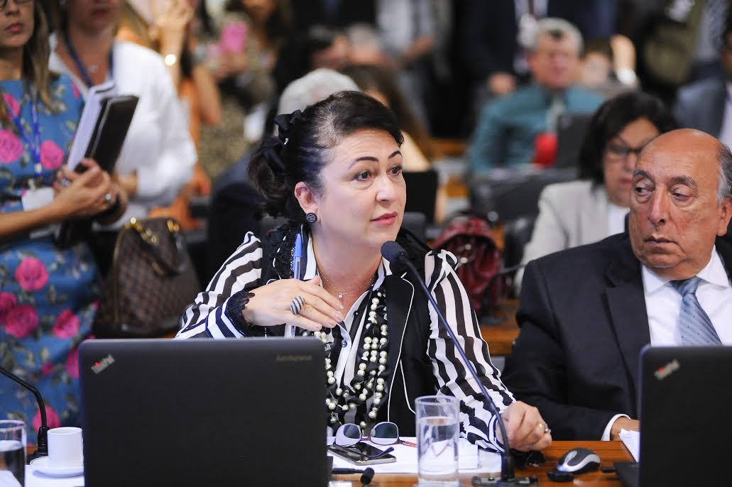 Reforma Trabalhista: Kátia Abreu propõe 18 modificações para preservar direitos dos trabalhadores