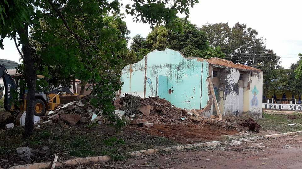 Deputado Wanderlei Barbosa lamenta demolição de prédio histórico em Taquaruçu